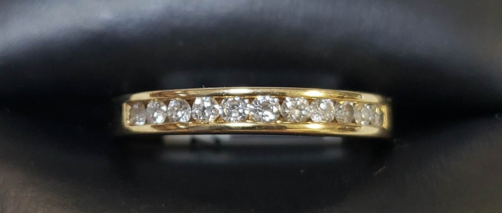 14KT - YELLOW GOLD - SIZE 6.5 - APPROXIMATELY 1/3 CT TW DIAMOND INLAY BAND
