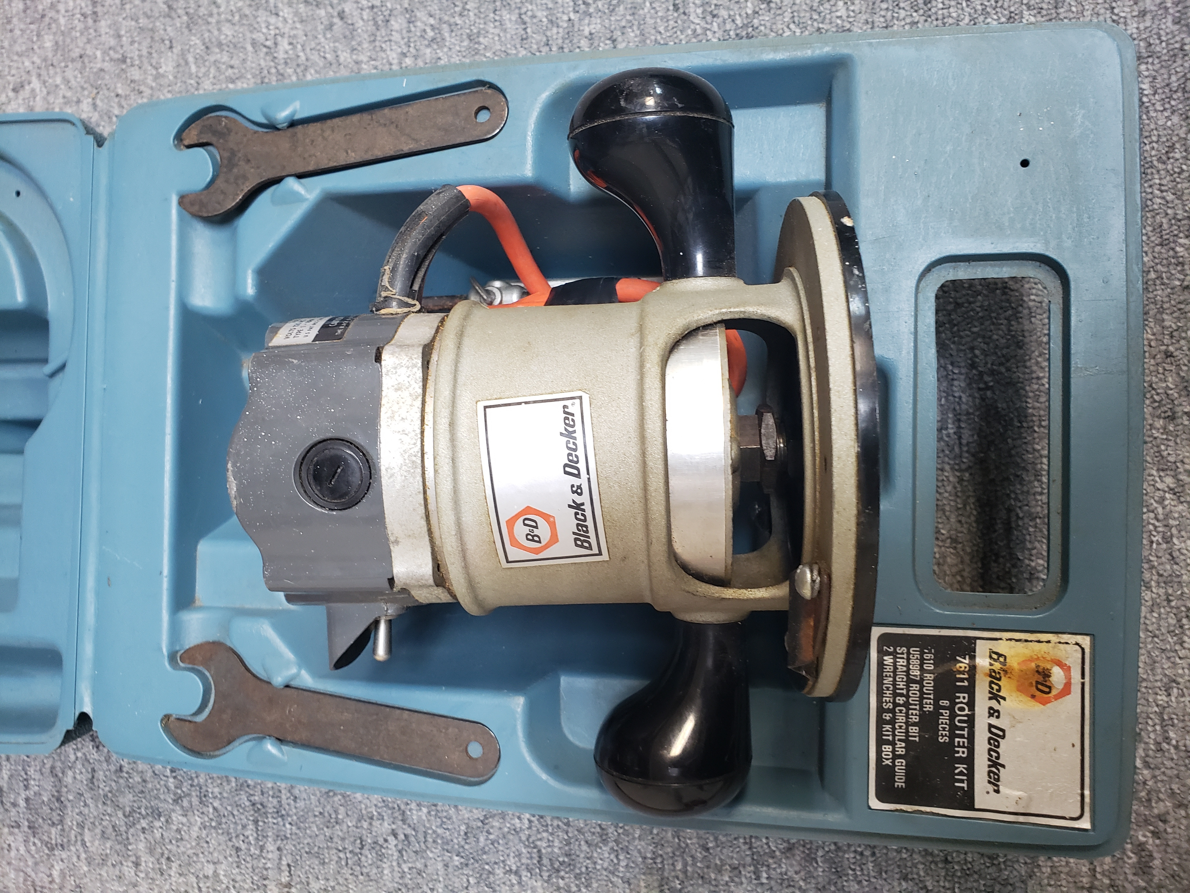 BLACK & DECKER ROUTER TOOL