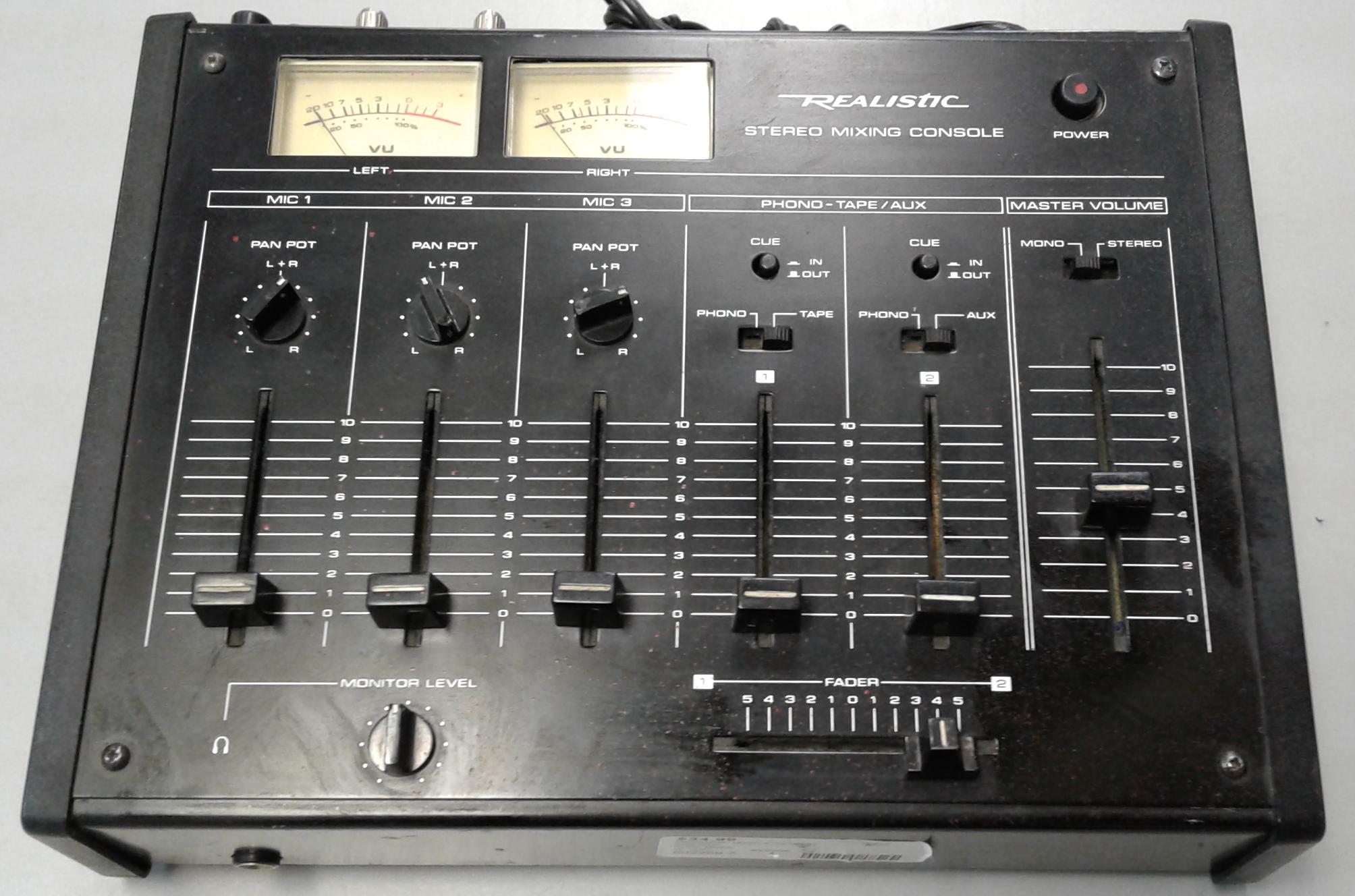 REALISTIC 32-1200C MIXER/AMP