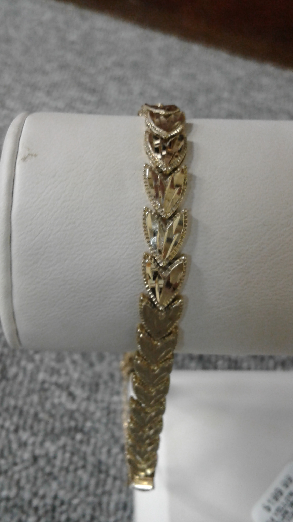 14 KT GOLD LEAF ARROW LINK BRACELET
