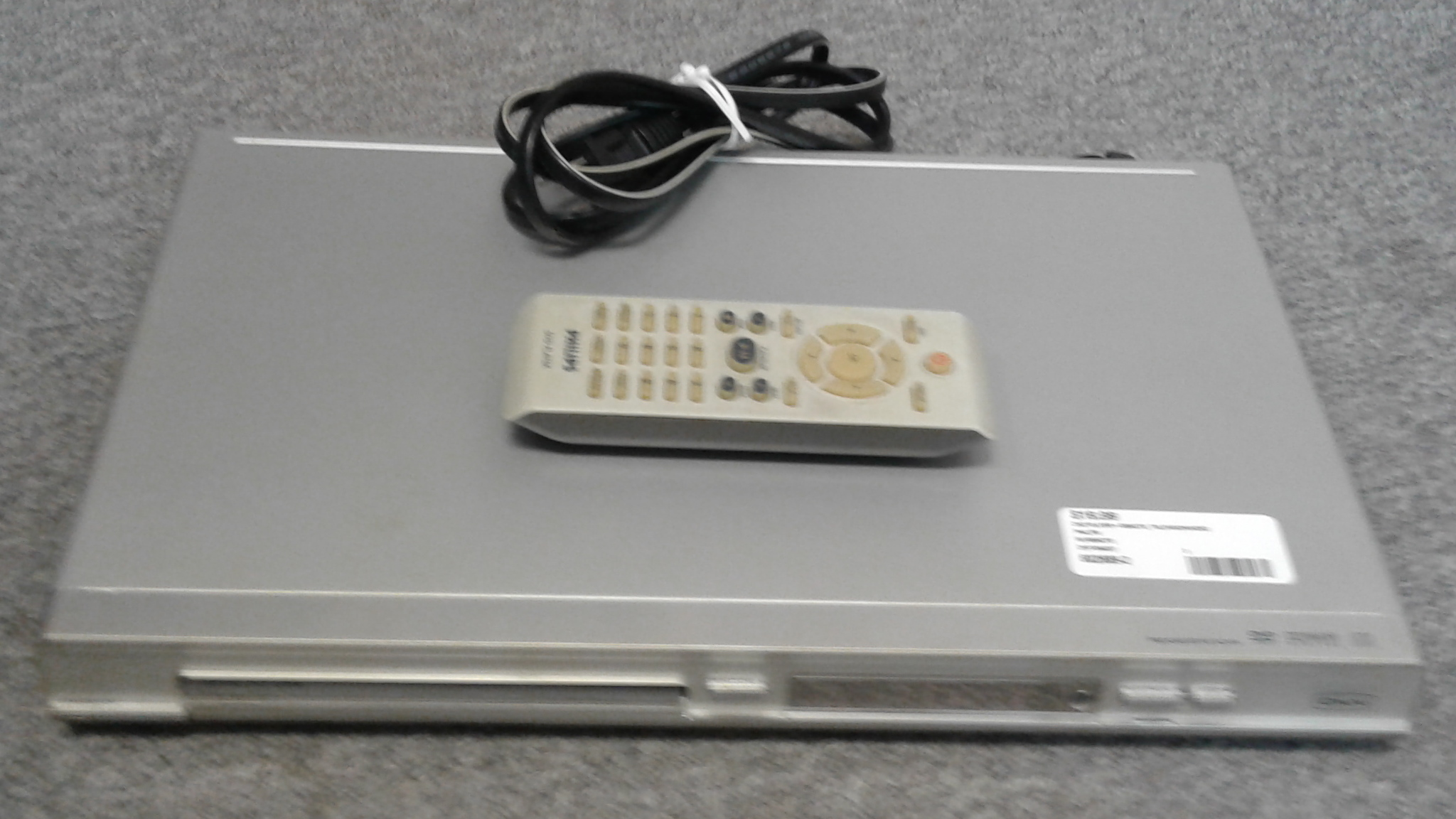 PHILIPS DVP 3040/37 DVD PLAYER + REMOTE