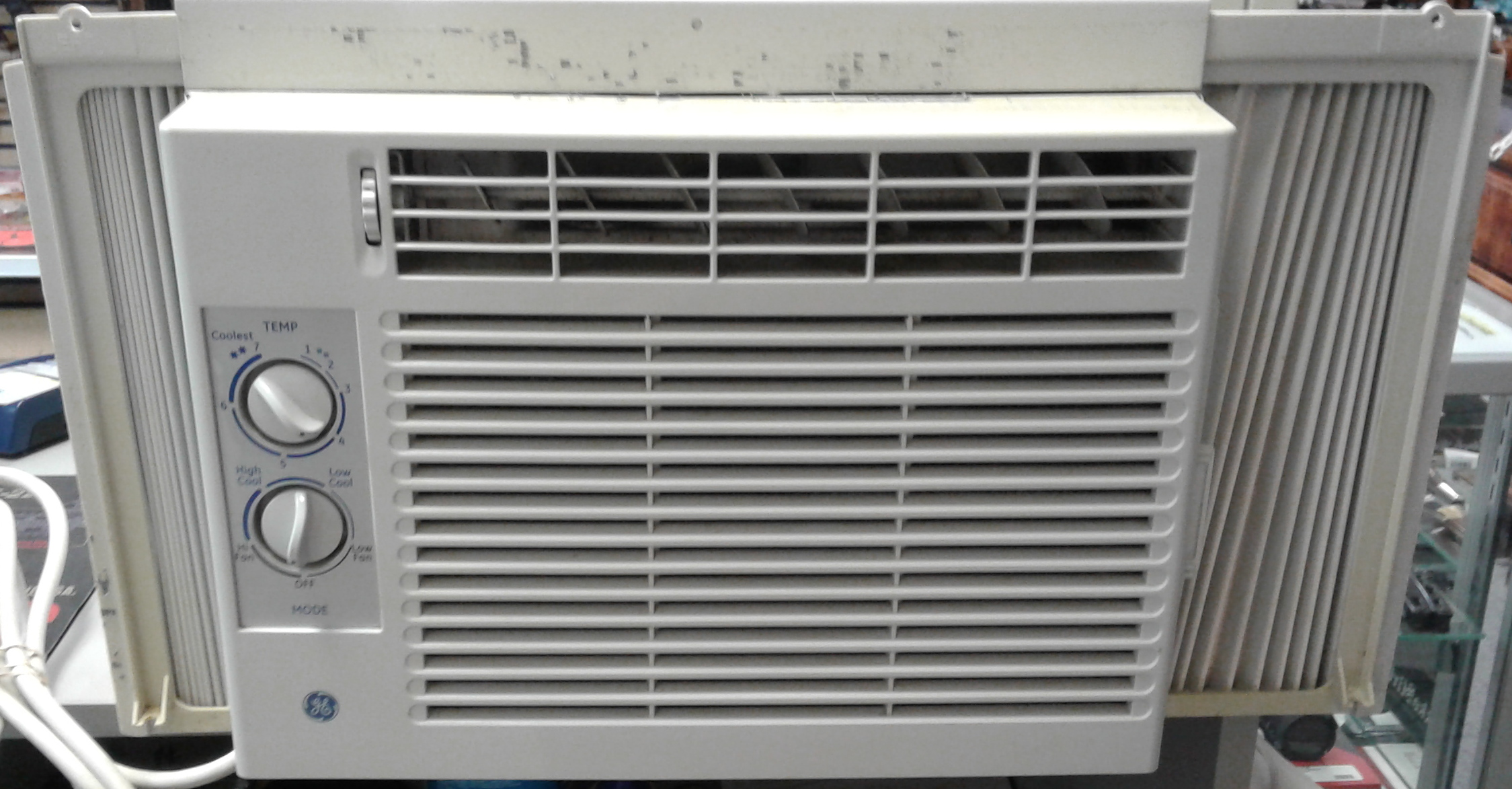GENERAL ELECTRIC AER05LQQ1 AIR CONDITIONER (LOCAL PICKUP ONLY)