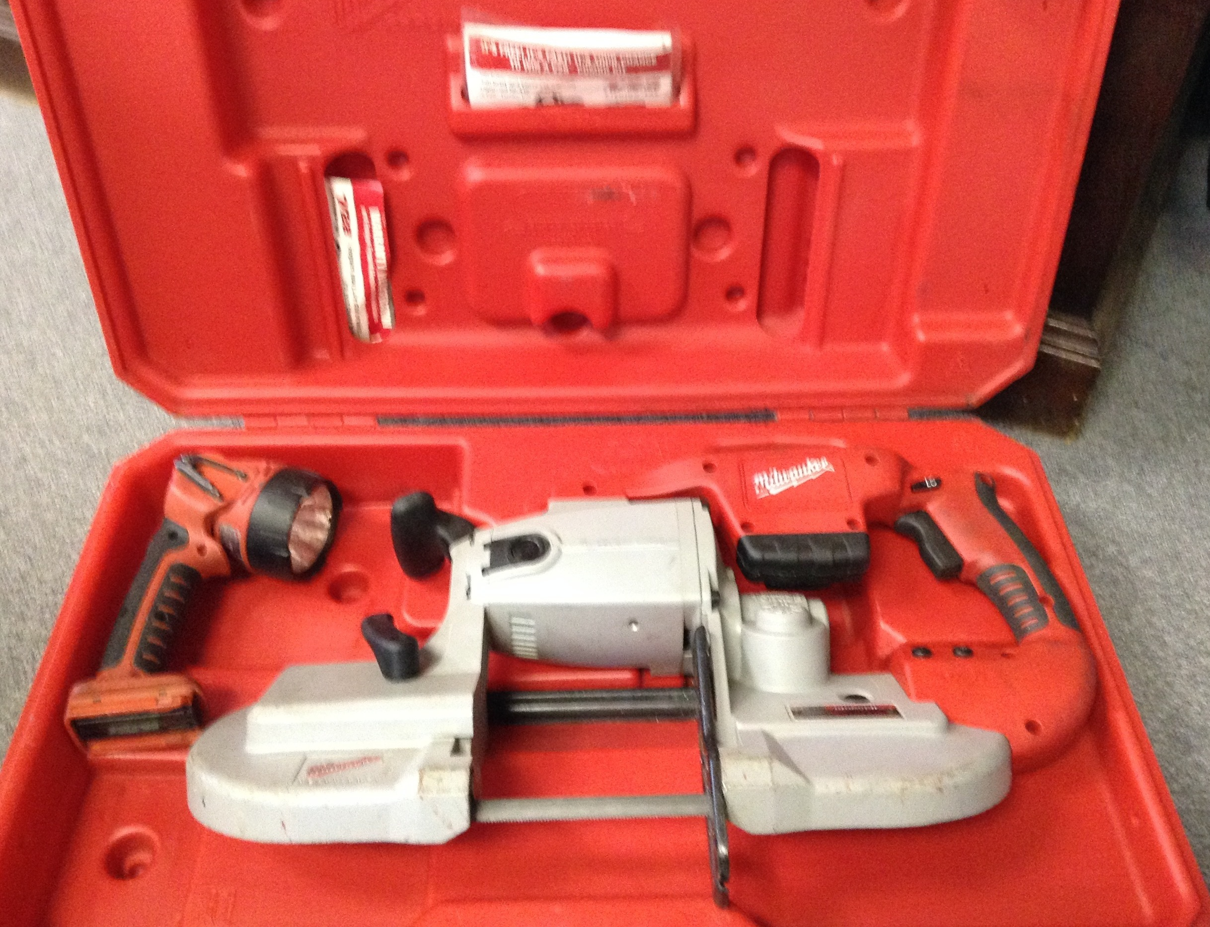MILWAUKEE 0729-20 BAND SAW W/ WORK LIGHT (TOOLS ONLY)