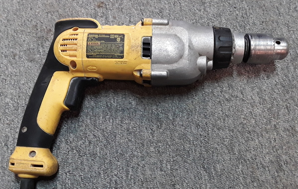 "DEWALT DWD520 Corded Electric 1//2/"" VSR Pistol Grip Hammerdrill Drill Tool"