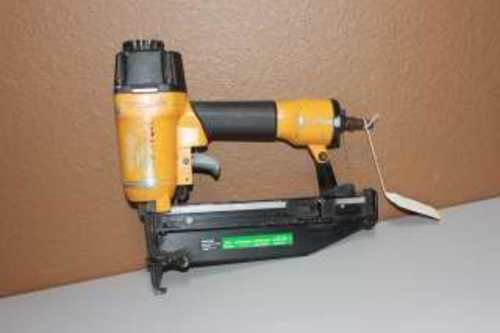 BOSTITCH SB-1664FN FINISH NAILER w/CASE