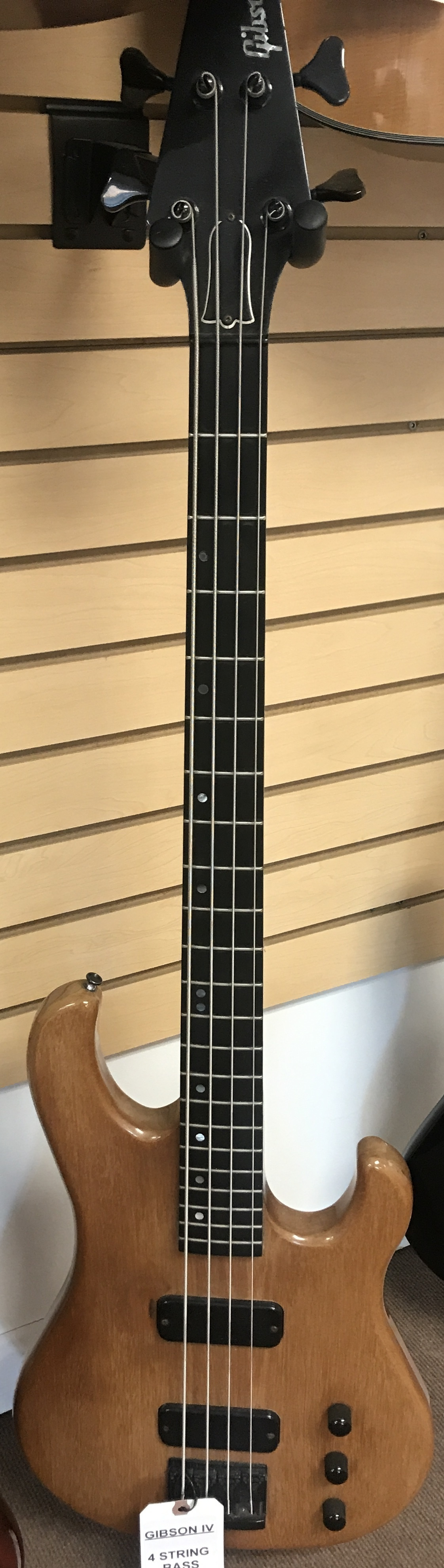 GIBSON IV BASS GUITAR