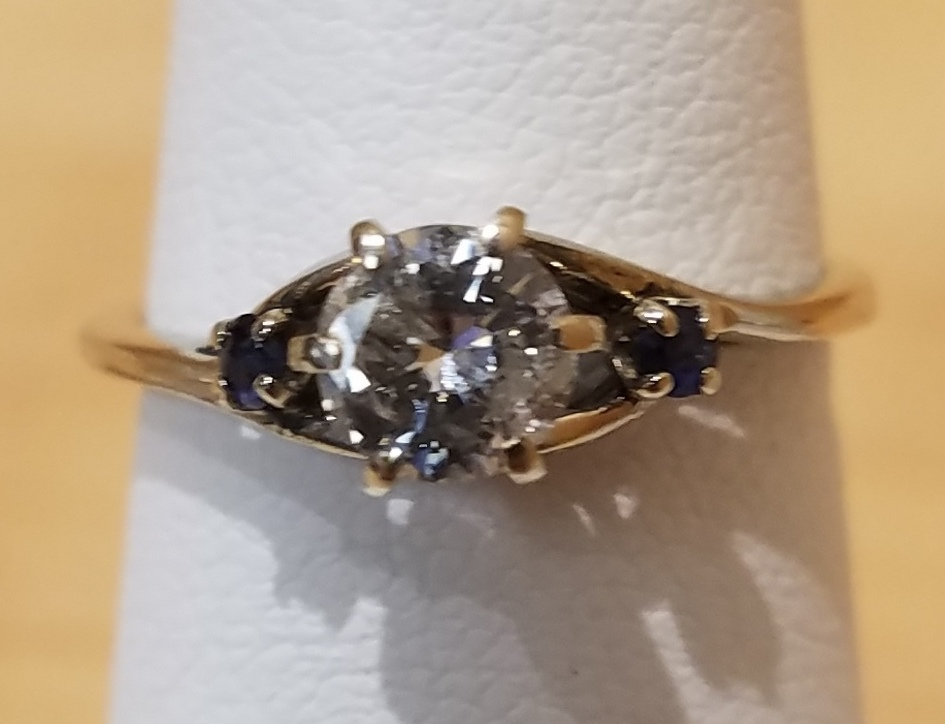 ENGAGEMENT RING JEWELRY