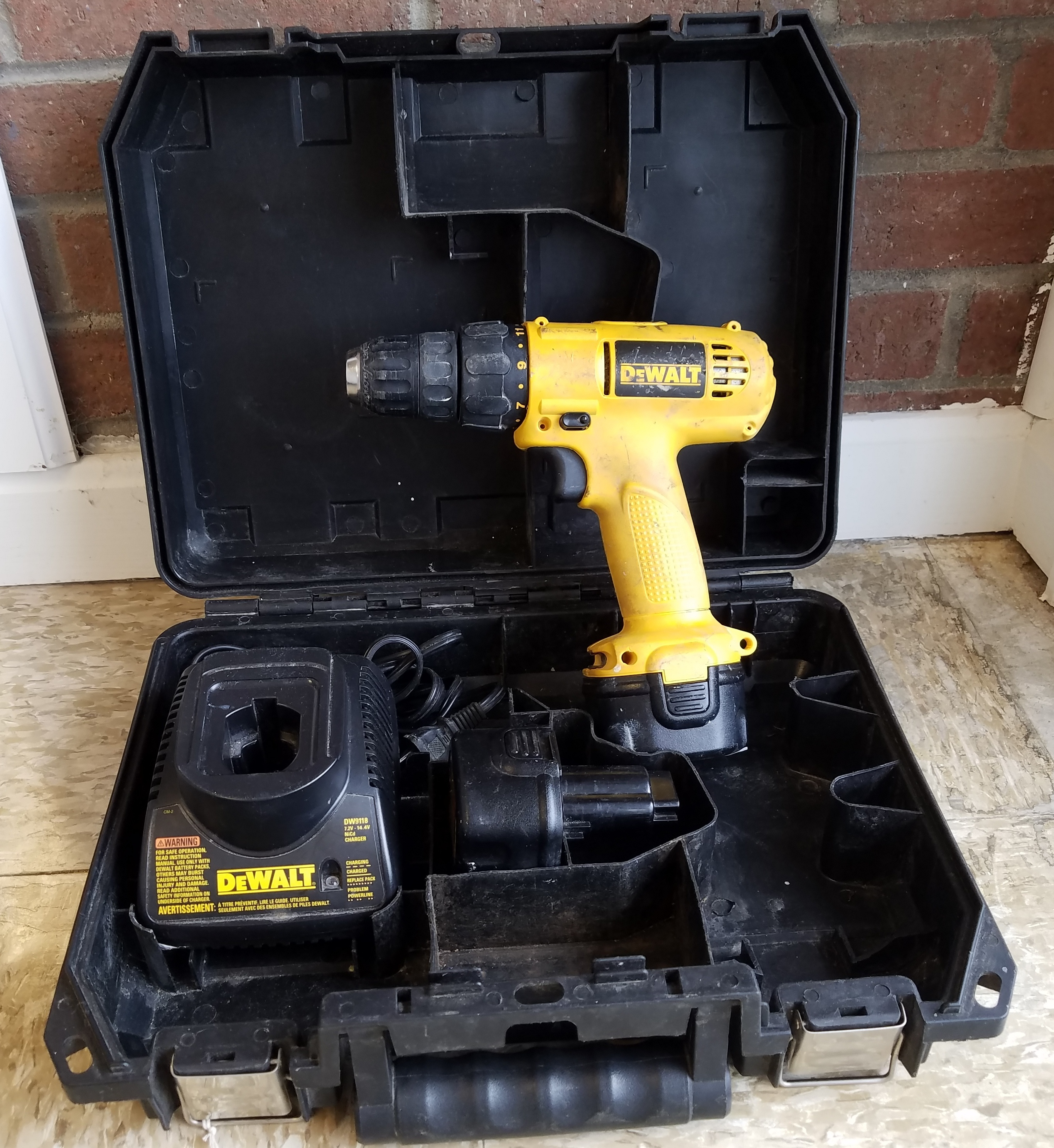 DEWALT  DW926  DRILL POWER TOOL