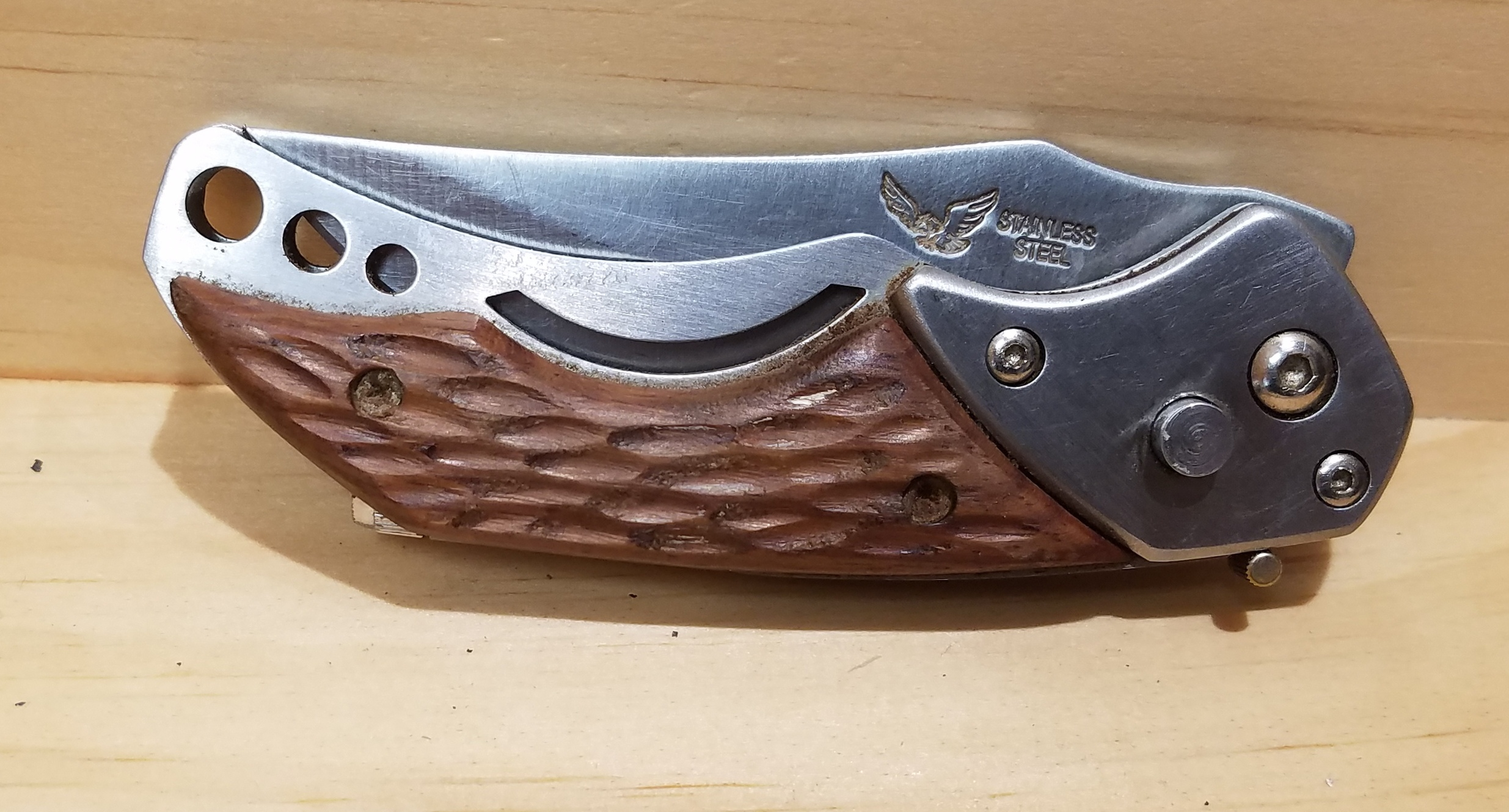 KNIFE HUNTING SUPPLIES