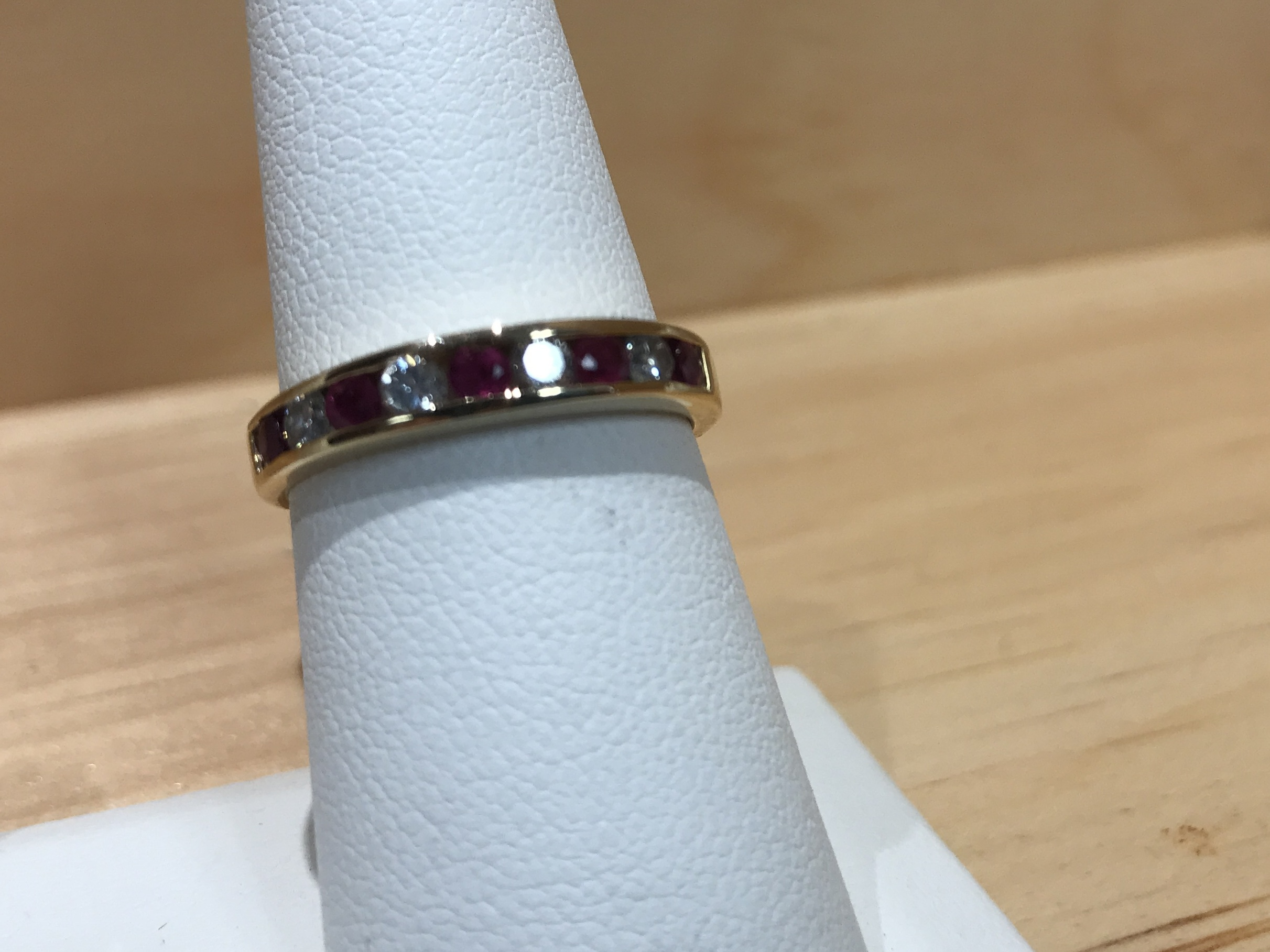 14Kt Yellow Gold Size 7 Band with Alternating Red and Clear Stones