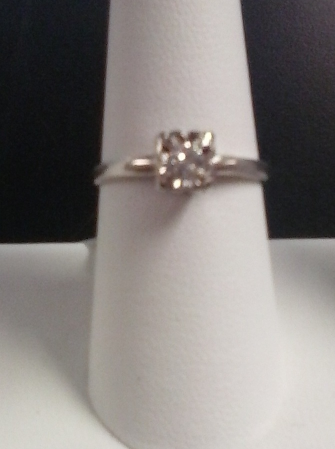 SIZE 8 LADIES ENGAGEMENT RING WITH .20 ROUND DIAMOND