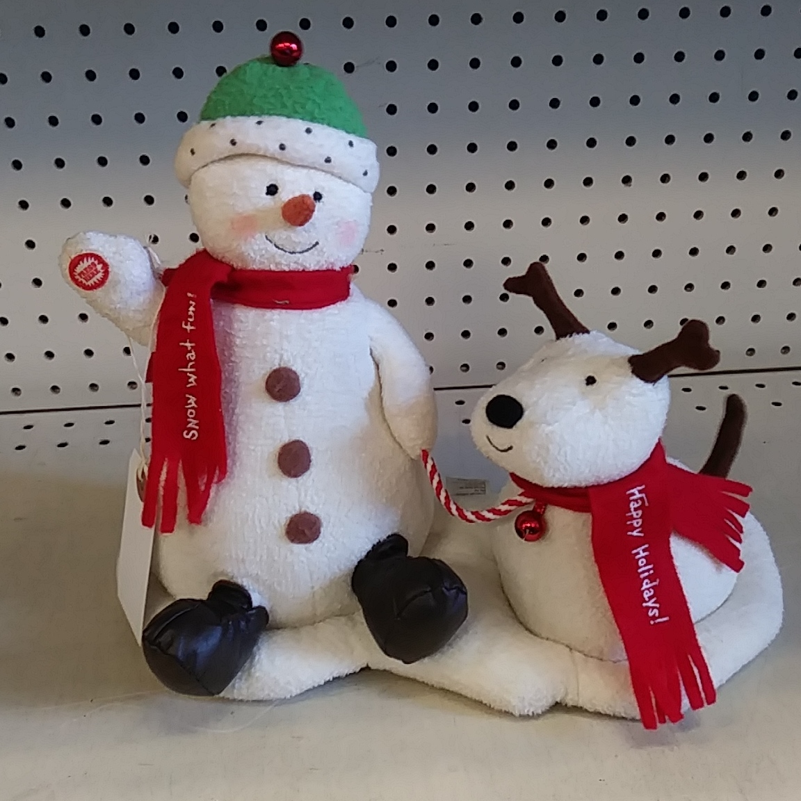HALLMARK STUFFED CHRISTMAS FIGURES PLAYS MUSIC