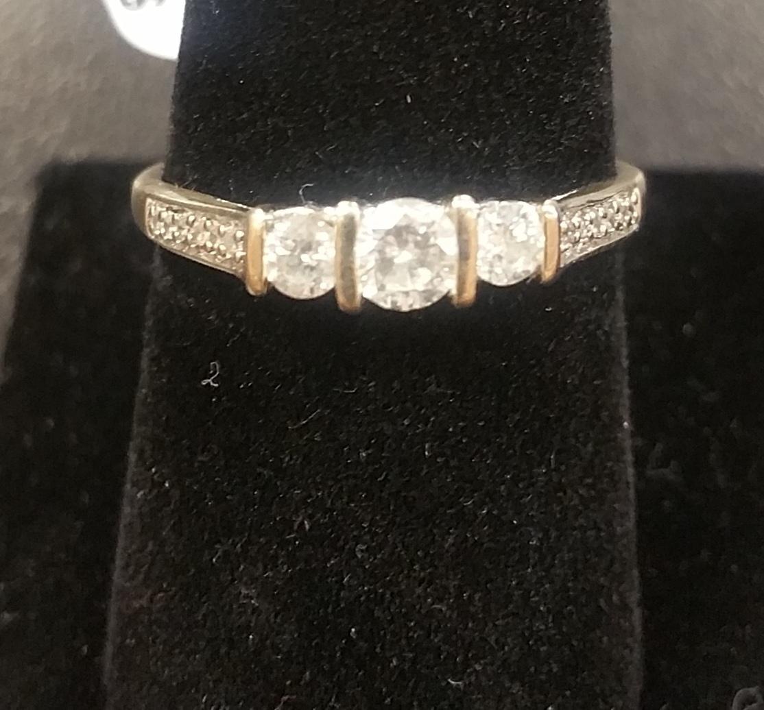 WHITE GOLD RING W/ 3 DIAMONDS SIZE 8.5