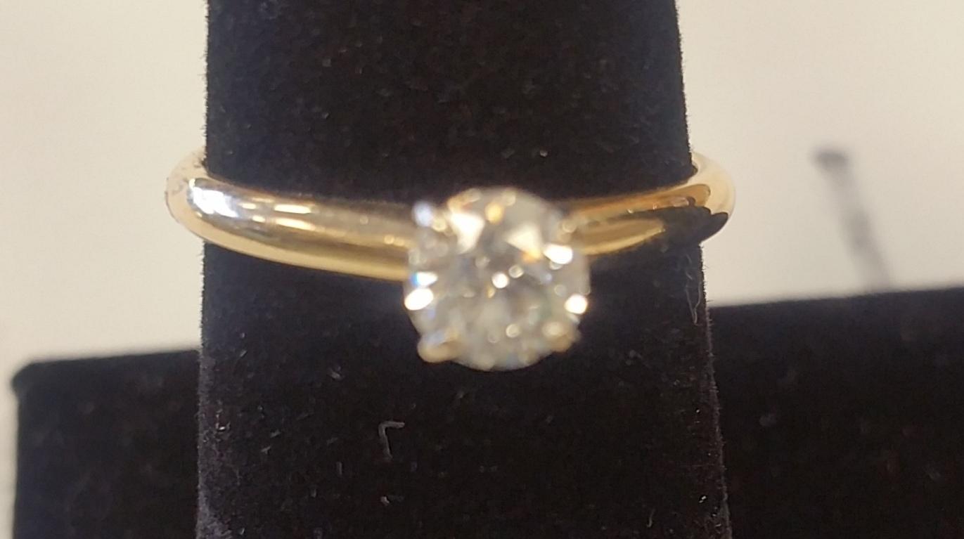 SOLITAIRE DIAMOND YELLOW GOLD