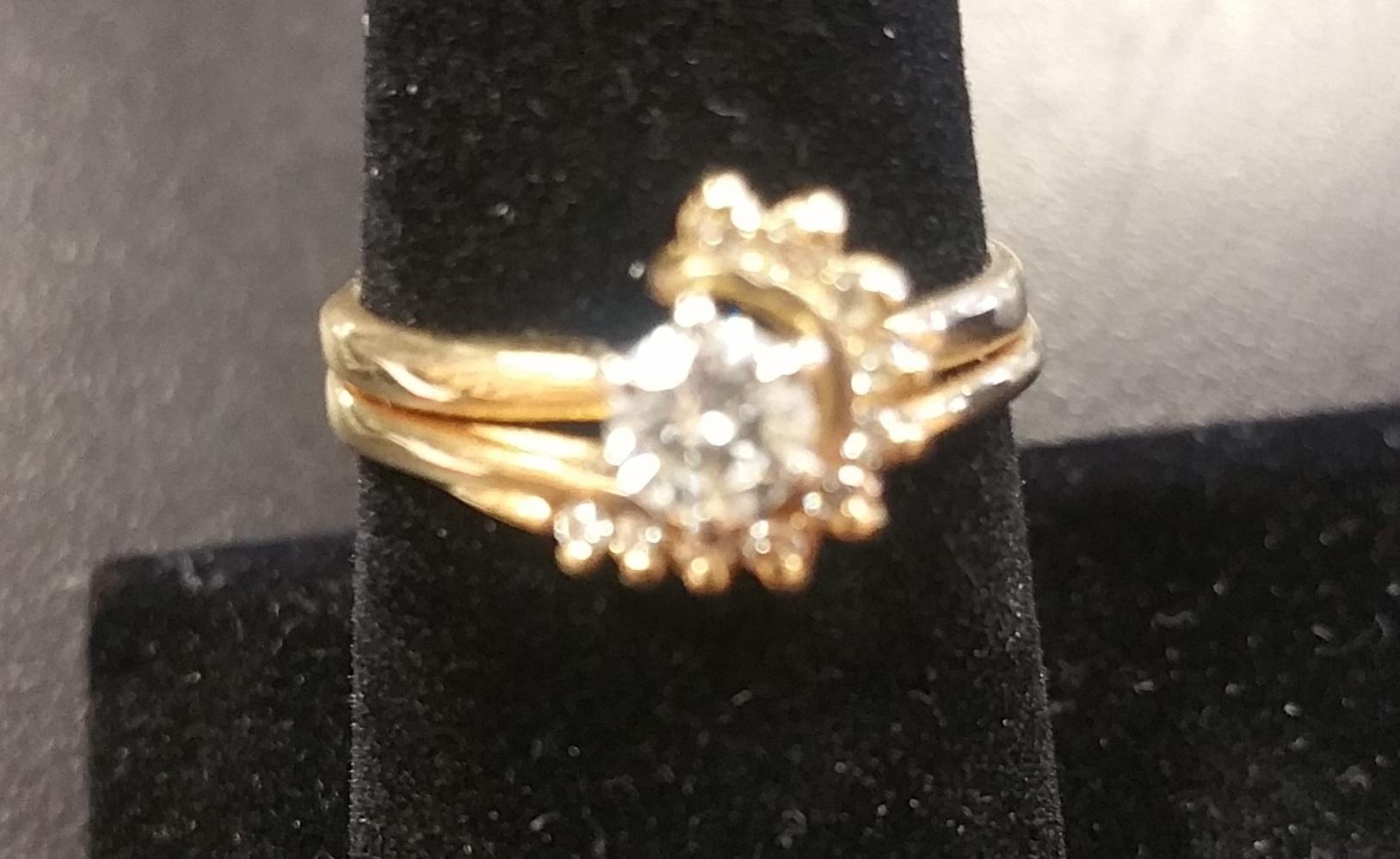 DIAMOND WITH 11 DIAMONDS WRAP