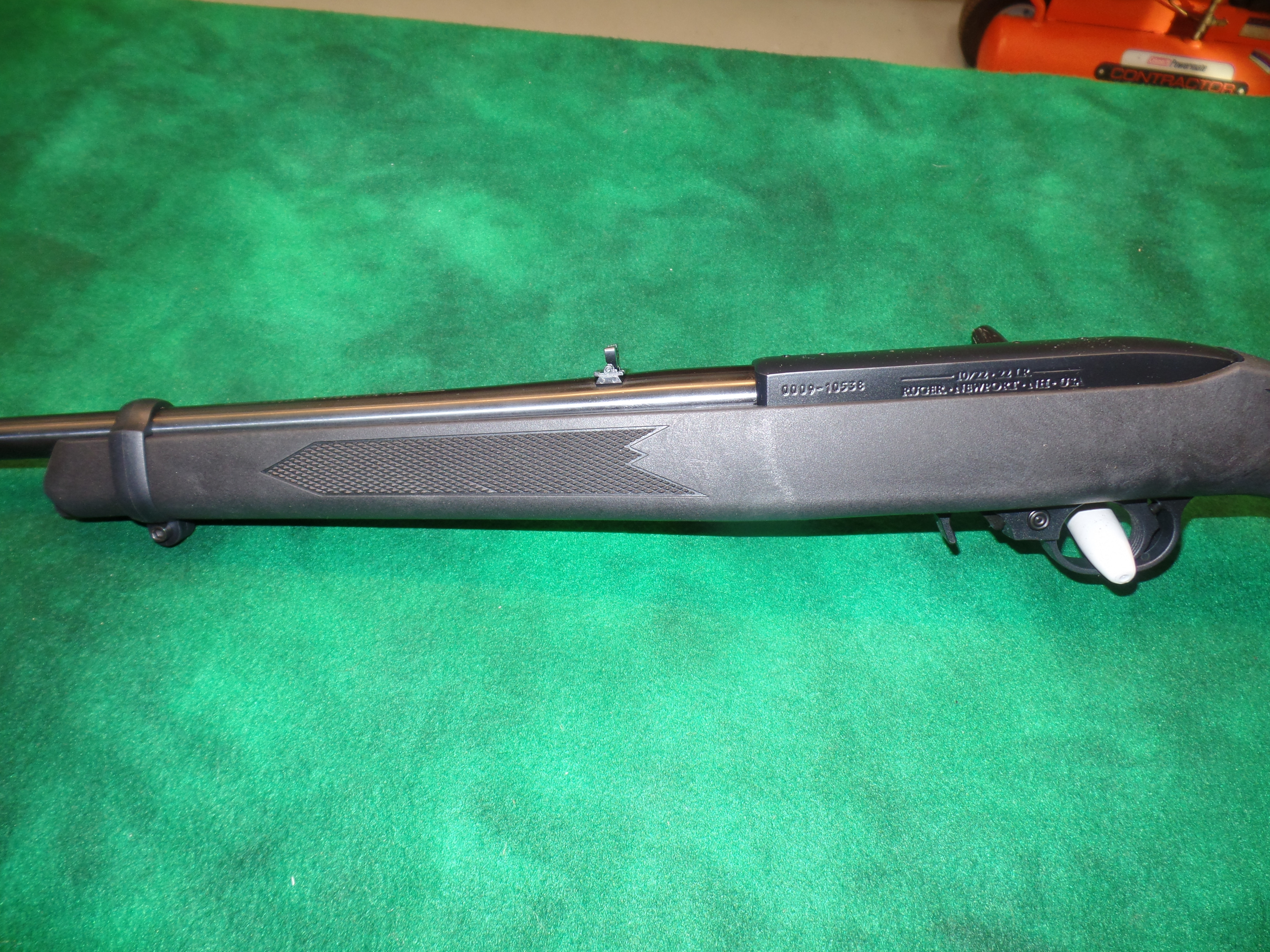 NIB Ruger 10/22 Carbine Synthetic-img-6