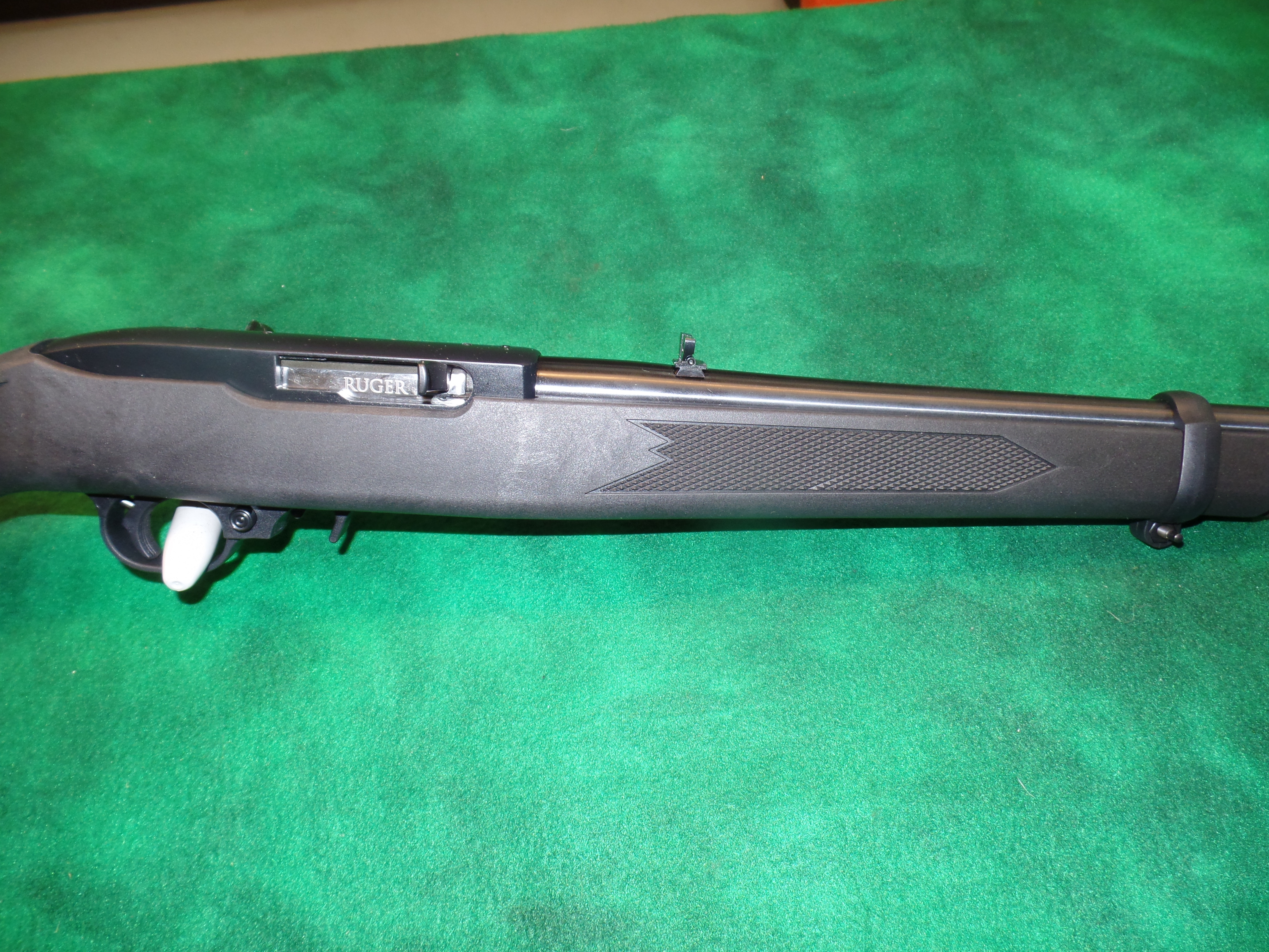 NIB Ruger 10/22 Carbine Synthetic-img-3