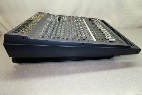 yamaha emx5000 12 powered mixer 12 channel with built in dual effects ebay. Black Bedroom Furniture Sets. Home Design Ideas