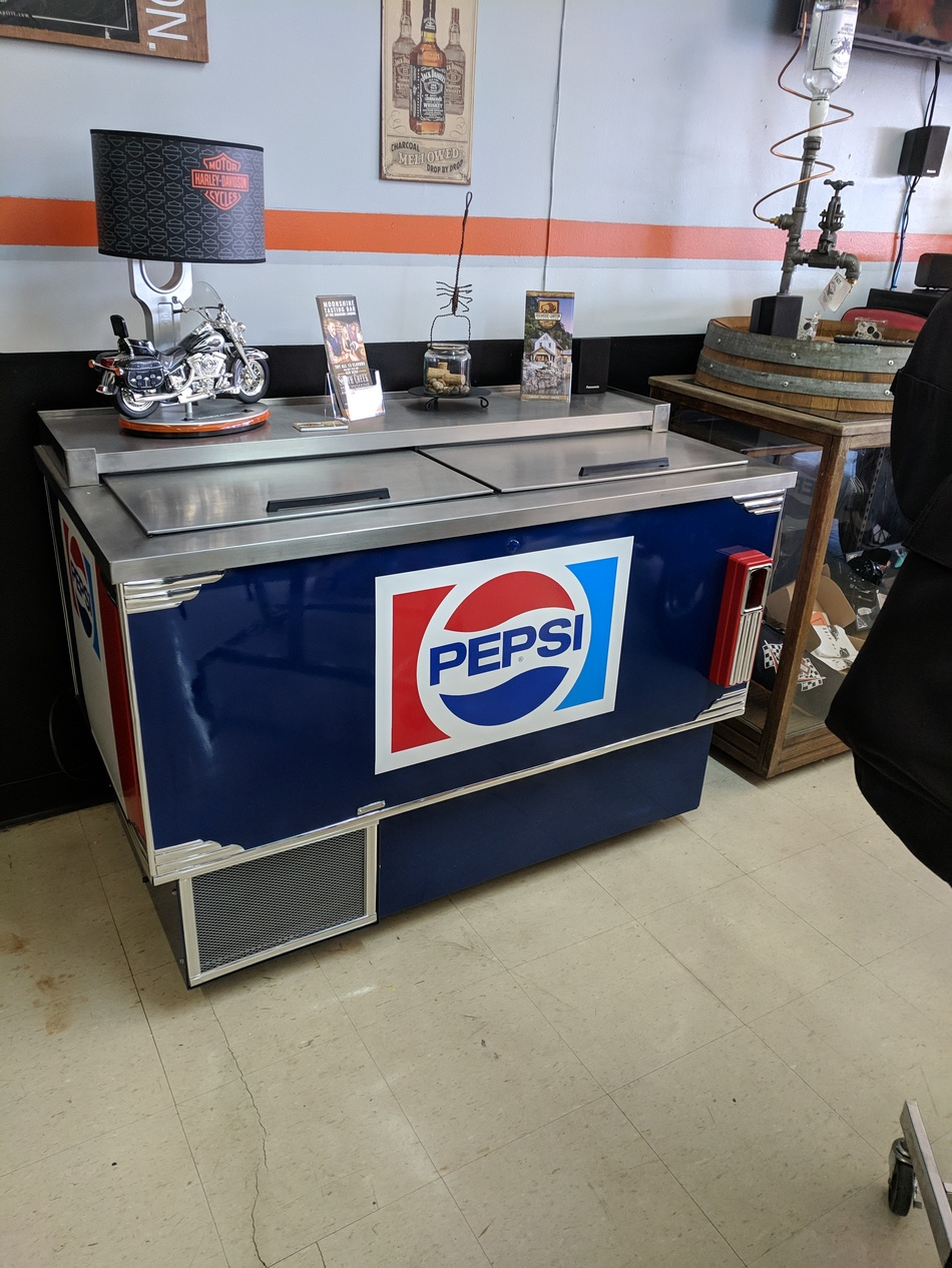 VINTAGE DOUBLE SLIDE TOP PEPSI COOLER PROFESSIONALLY