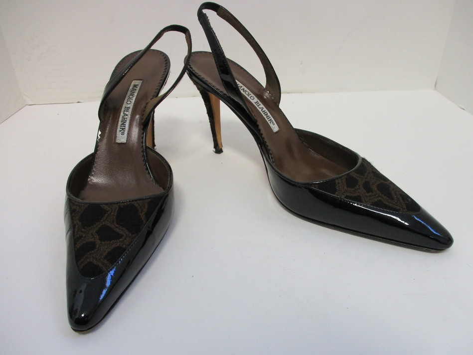 ceb763a36ed0 MANOLO BLAHNIK black patent Carolyne fabric slingback pointed- toe pumps  38.5