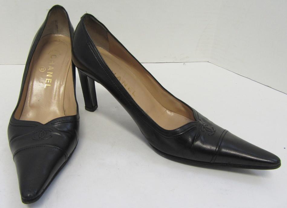 0091edc13b CHANEL Black Leather Pointed Toe Heels w/ Signature Logo Size 38 | eBay