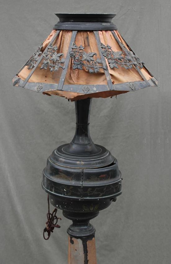 Rare Antique Tin Chinoiserie Quot Phonolamp Quot Phonograph Floor