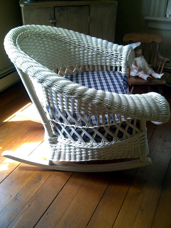 Antique Merikord Bar Harbor Wicker Furniture Couch