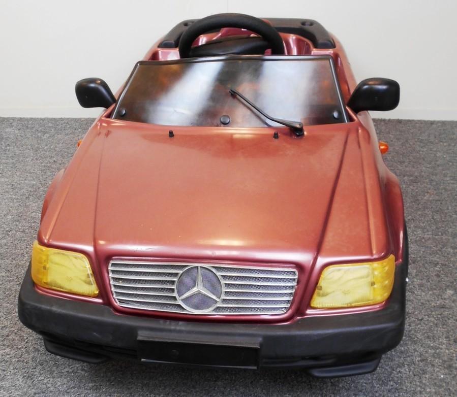 Tt toys toys mercedes benz 500sl pedal car ebay for Mercedes benz pedal car