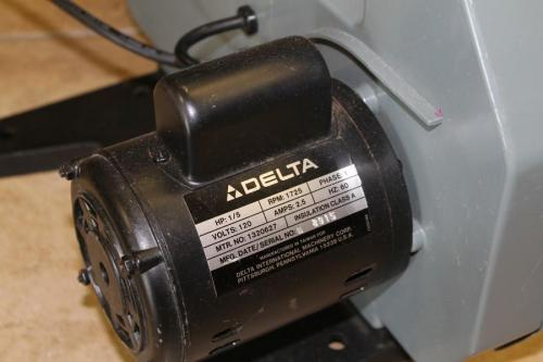 Delta 28 160 Bench Top Band Saw 1 5 Hp With Six Unused 56 1 8 Quot Blades Ebay