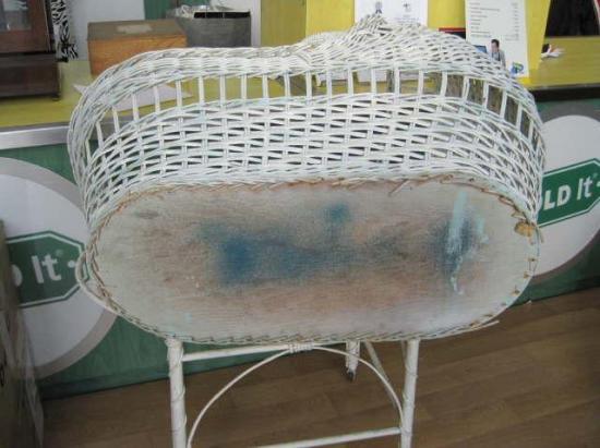 Antique Vintage Baby Doll Crib Cradle Bassinet 1930 S