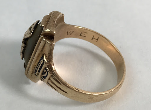 women 39 s vintage 10k gold ring faribault 1942 high school. Black Bedroom Furniture Sets. Home Design Ideas