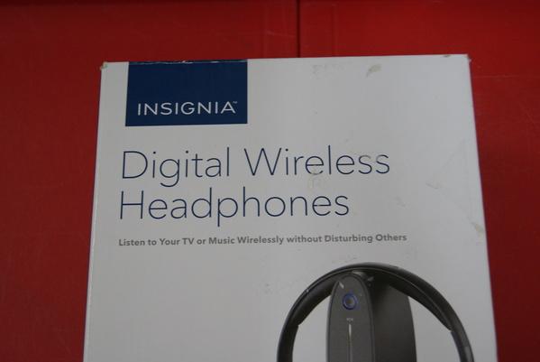 Auriculares inalámbricos digitales Insignia NS hawhp 2 falta