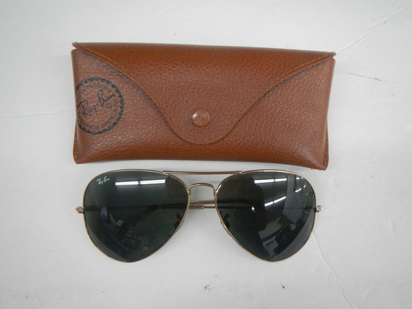639de921b81 VINTAGE RAY BAN AVIATOR SUN GLASSES 62014 WITH CASE. 1990  39 S